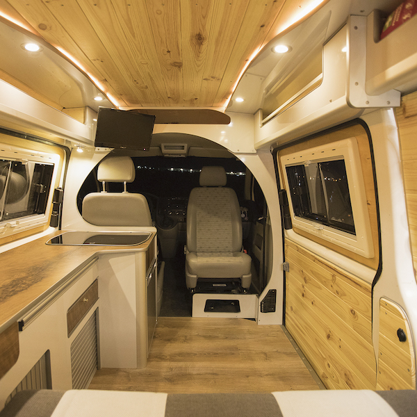 am nagement fourgon prix financement et partenaires. Black Bedroom Furniture Sets. Home Design Ideas